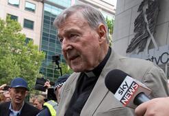 Katolik Kilisesinin eski üç numarası cinsel tacizden suçlu bulundu