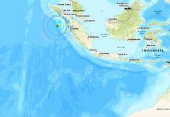 Endonezyada 5.7 büyüklüğünde deprem