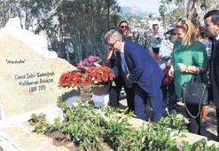 Halikarnas Balıkçısı mezarı başında anıldı
