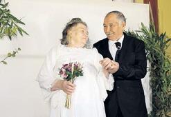 60 yıl sonra düğün fotoğrafı çekildiler