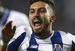 Alex Tellesten Galatasaraya transfer müjdesi