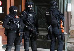 Batı Avrupada aşırı sağ silahlanıyor
