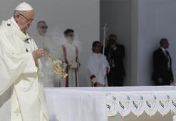 Papa Maduronun teklifini kabul etti