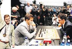 Satrançta 4'üncü kez şampiyon Carlsen