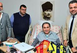 Fenerbahçeli İş Adamları Vakfından İlyas Tüfekçiye ziyaret