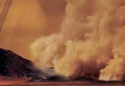 Titan'da 'toz fırtınaları' bulundu