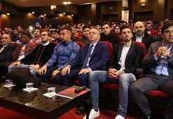 Ünal Karaman ve futbolcular öğrencilerle buluştu