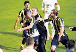 Bucaspor'da Barış'a 4 maç ceza