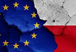 Polonyada erken emekliliğe zorlanan Yüksek Mahkeme yargıçları, göreve dönüyor