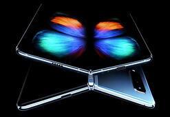 Samsungdan Galaxy Fold için ücretsiz ekran müjdesi