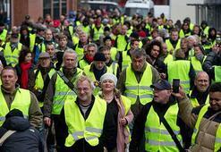 Hollandada sarı yelekliler protestosu