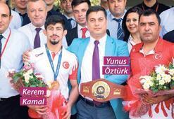 Kamal'a Öztürk'ten kutlama