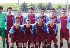 Trabzonspor, 16 yaşındaki kaleci Kağan Moradaoğlu ile profesyonel sözleşme imzaladı