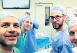 Dünyaca tanınan cerrah evine döndü