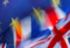 Tarihi yenilgi manşetlerde İngilizler Avrupayı Brexit kaosuna attı