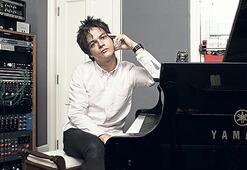 Anı yaşayan  bir müzisyen Jamie Cullum