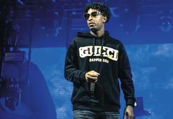 Grammy adayı rap'çiye vize gözaltısı