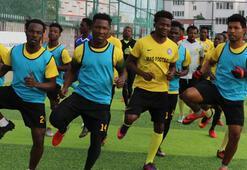 22 Ganalı futbolcu, Antalyada teklif bekliyor