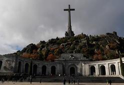 Diktatör Franconun mezarı taşınıyor