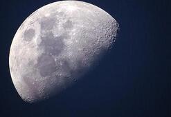 Çin Ayın karanlık yüzüne keşif aracı gönderdi