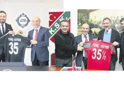 Soyer, İzmir kulüplerinin gönlünü fethetti