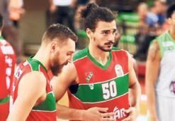 Pınar Karşıyaka Daçka'yı ağırlıyor