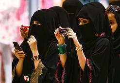 Suudi Arabistanda boşanan kadınlara kısa mesaj