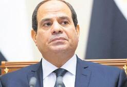 Sisi röportajı engellemeye çalıştı