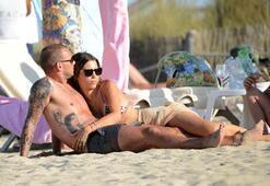 Wesley Sneijder, Yolanthe Cabau ile Boşanıyor