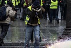 Fransada dünkü gösterilerde yüzlerce kişi gözaltına alındı