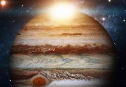 Jüpiterin yeni fotoğrafları paylaşıldı