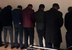 Sesleri duyan polis son anda yakaladı 4 kadın, 13 erkek...
