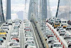 Çalışanların ömrü trafikte geçiyor