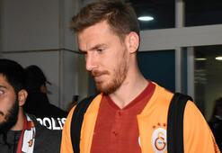 Serdar Aziz, Galatasaraydan bugün ayrılıyor