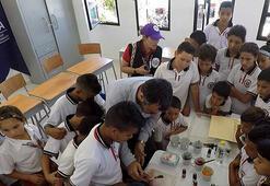 Kolombiyalılar köylerine okul inşa eden Türkiye'ye müteşekkir