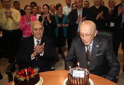Fenerbahçede Vefa Küçüke doğum günü kutlaması