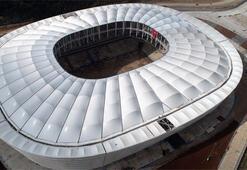 Adanada yeni stadın çatısı tamamlandı