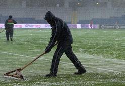 Medipol Başakşehir - Bursaspor maçı tatil edildi