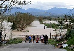 Süper tayfun Filipinleri vurdu, Hong Konga ilerliyor