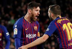 Barcelonayı Messi ipten aldı