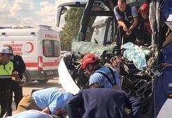 Son dakika: Yolcu otobüsü temizlik aracına çarptı: Ölü ve yaralılar var