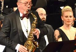 Atilla Şentin saksafonuyla büyüledi
