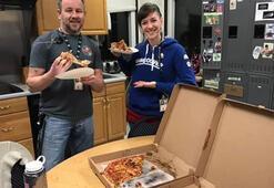 Kanadalı hava kontrolörlerinden ABDli meslektaşlarına dayanışma pizzası