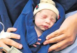 İlk canlı bebek doğdu