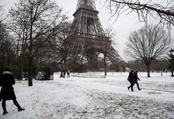 Paristen kar manzaraları