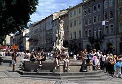 Lvivde yeni yasak: Rusça şarkı söylemek ve dinlemek artık suç