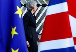 İngilterede 3 bakandan Brexitin ertelenmesine destek