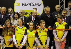VakıfBank, Bosna Hersekte voleybol okulu açtı