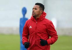 Robinho, Medipol Başakşehire transferini doğruladı
