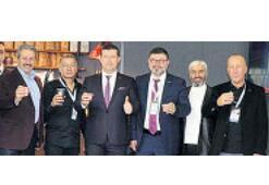 'İzmirli firmalar, önemli ticari ilişkilere imza attı'